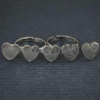 http://www.bijouxdecamille.com/10088-thickbox/bague-double-hearts-en-metal-argente.jpg