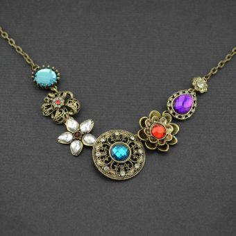 http://www.bijouxdecamille.com/11212-thickbox/collier-fantaisie-floraison-en-metal-dore-vieilli-strass-et-resine.jpg
