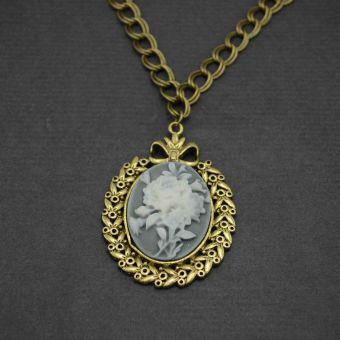 http://www.bijouxdecamille.com/11235-thickbox/collier-camee-rose-en-metal-dore-vieilli-et-resine.jpg