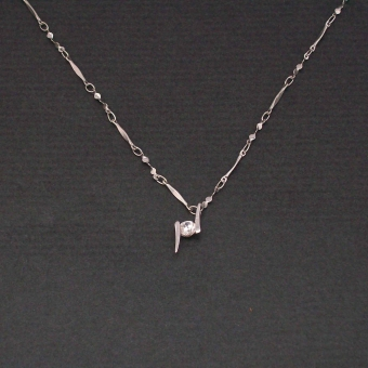 http://www.bijouxdecamille.com/1134-thickbox/collier-vent-d-est-en-metal-et-zirconium.jpg