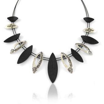 http://www.bijouxdecamille.com/11629-thickbox/collier-fantaisie-ikita-slide-en-metal-argente-et-metal-peint-sur-cables.jpg