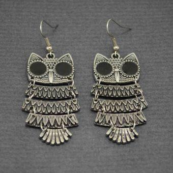 http://www.bijouxdecamille.com/12396-thickbox/boucles-d-oreilles-hulotte-en-metal-argente-et-resine.jpg