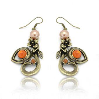http://www.bijouxdecamille.com/12463-thickbox/boucles-d-oreilles-ivy-en-metal-dore-vieilli-strass-et-perle-de-synthese.jpg