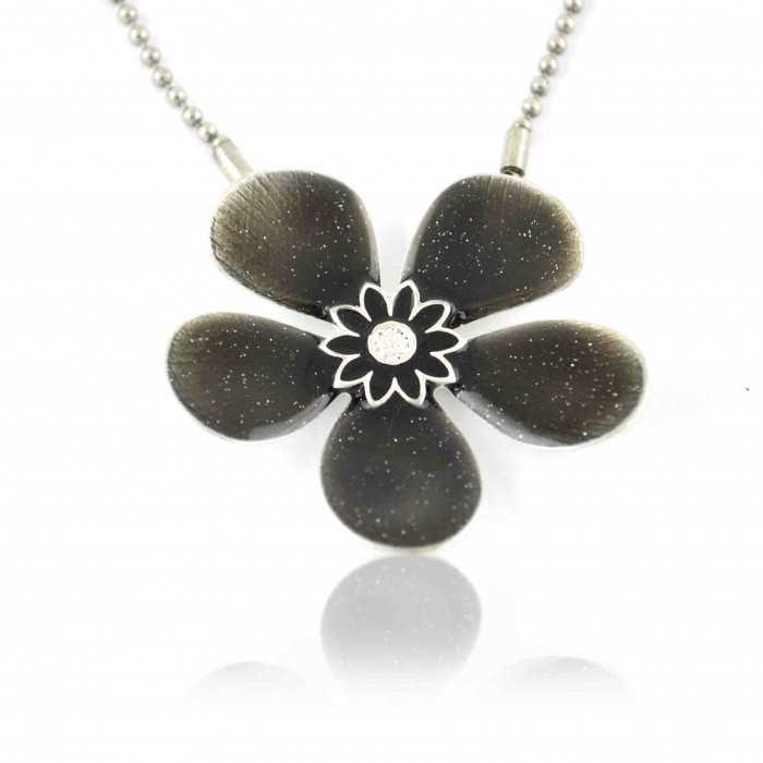 """Collier fantaisie """"Ikita - Fleur émaillée"""" en métal argenté et émail pailleté"""