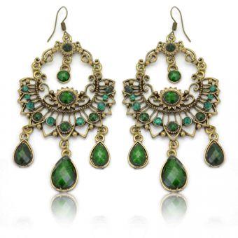 http://www.bijouxdecamille.com/12720-thickbox/boucles-d-oreilles-orientales-lebha-en-metal-dore-resine-et-strass.jpg