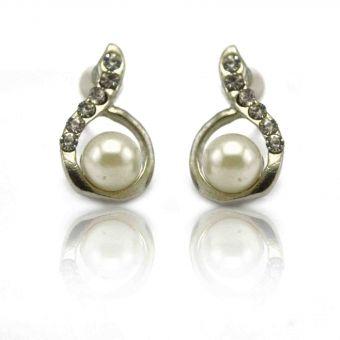 http://www.bijouxdecamille.com/13528-thickbox/boucles-d-oreilles-elegance-en-metal-argente-et-perle-de-synthese.jpg
