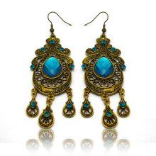 """Boucles d'oreilles orientales """"Nicosie"""" en métal doré, strass et résine"""