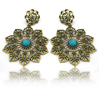 http://www.bijouxdecamille.com/13569-thickbox/boucles-d-oreilles-orientales-turkey-en-metal-dore-strass-et-resine.jpg