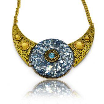 http://www.bijouxdecamille.com/13584-thickbox/collier-fantaisie-fetiche-en-metal-dore-strass-et-resine.jpg