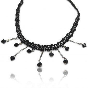 http://www.bijouxdecamille.com/13591-thickbox/collier-fantaisie-renaissance-thin-en-macrame-et-perles-a-facettes.jpg