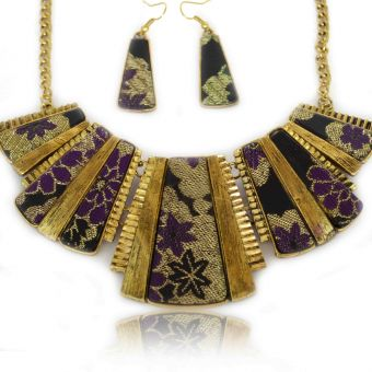 http://www.bijouxdecamille.com/13902-thickbox/parure-retro-en-metal-dore-et-impression-tissu.jpg
