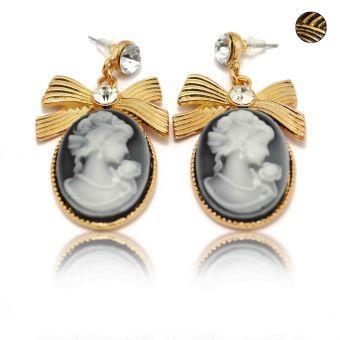 http://www.bijouxdecamille.com/14035-thickbox/boucles-d-oreilles-fantaisie-camee-en-metal-dore-strass-et-resine.jpg