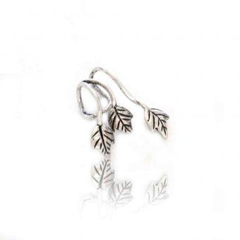 http://www.bijouxdecamille.com/14048-thickbox/ear-cuff-romans-en-metal-argente.jpg