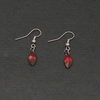 http://www.bijouxdecamille.com/1406-thickbox/boucles-d-oreilles-cristal-rouge-en-metal-argente-et-zirconium.jpg