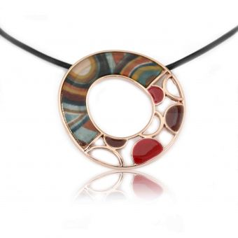 http://www.bijouxdecamille.com/14135-thickbox/collier-fantaisie-ikita-tutti-frutti-en-metal-dore-et-email-sur-cordon-de-cuir.jpg