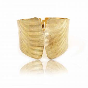 http://www.bijouxdecamille.com/14765-thickbox/bracelet-manchette-tryss-en-metal-dore.jpg