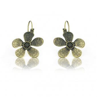 http://www.bijouxdecamille.com/14984-thickbox/boucles-d-oreilles-ikita-fleur-metallisee-en-metal-dore.jpg