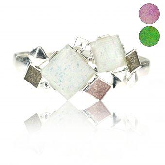 http://www.bijouxdecamille.com/15008-thickbox/bracelet-ikita-squares-elastique-en-metal-argente-resine-et-email.jpg