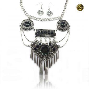 http://www.bijouxdecamille.com/15100-thickbox/parure-tribal-style-euterpe-en-metal-vieilli-et-resine.jpg