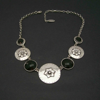 http://www.bijouxdecamille.com/2529-thickbox/collier-iron-en-metal-argente-et-resine.jpg