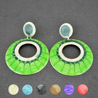 http://www.bijouxdecamille.com/3727-thickbox/boucles-d-oreilles-oil-en-metal-argente-et-nacre.jpg