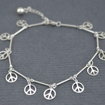 http://www.bijouxdecamille.com/5600-thickbox/bracelet-de-cheville-paix-paix-paix-en-metal-argente.jpg