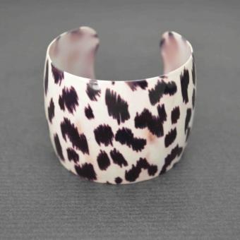 http://www.bijouxdecamille.com/5726-thickbox/bracelet-cow-boy-en-resine.jpg