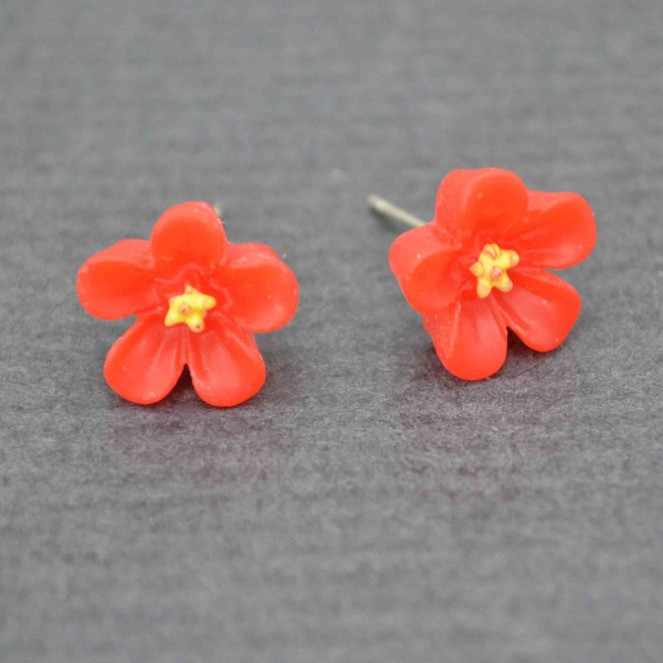 boucles d 39 oreilles fantaisie fleur des champs en plastique. Black Bedroom Furniture Sets. Home Design Ideas