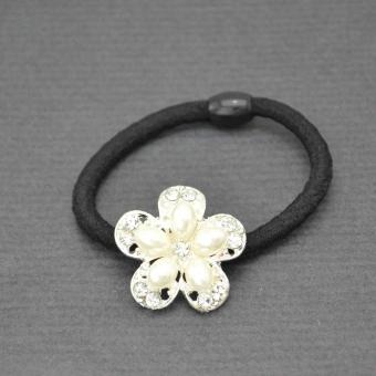 http://www.bijouxdecamille.com/6537-thickbox/elastique-tiare-en-metal-argente-strass-et-perles-blanches.jpg