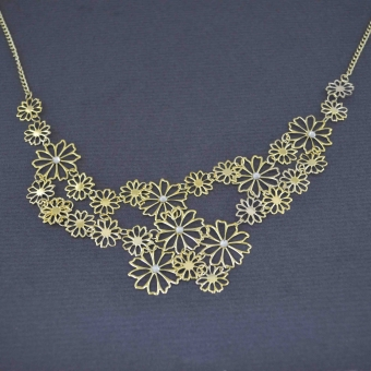 http://www.bijouxdecamille.com/6590-thickbox/collier-angelina-en-metal-dore-et-strass.jpg