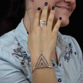 """Bracelet-bague """"Triangle"""" en métal argenté"""