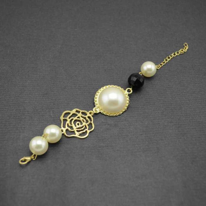 """Bracelet fantaisie """"Old Pearl"""" en métal doré et perles de synthèse"""