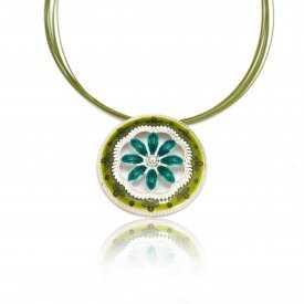 """Collier """"Ikita - Big Flower"""" en métal argenté et émail, sur câbles"""