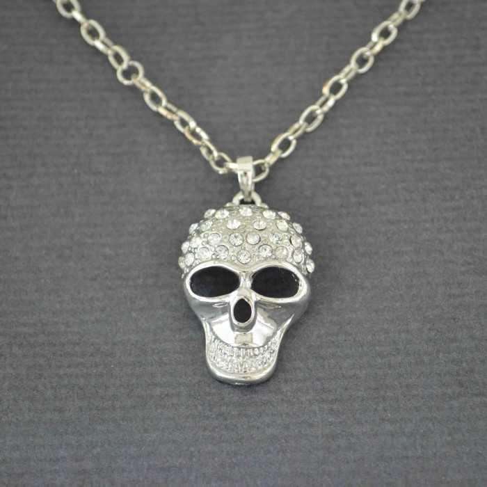 """Collier fantaisie """"Skull"""" en métal et strass"""