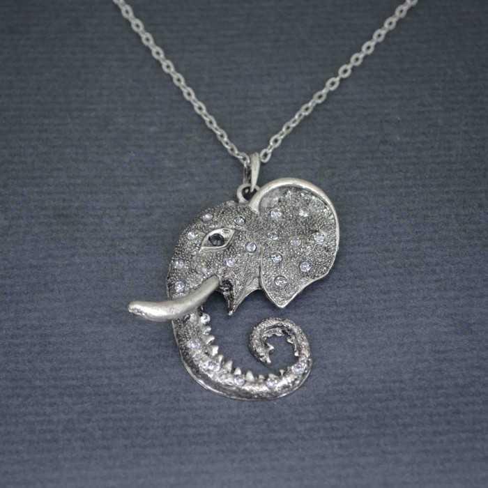 """Collier """"Éléphantissime"""" en métal et strass"""