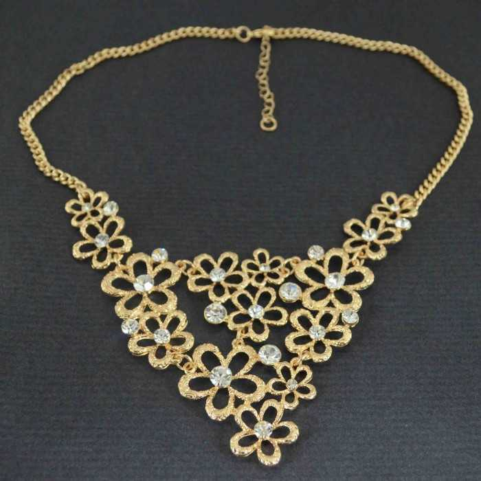 """Collier """"Lace flowers"""" en métal doré et strass"""