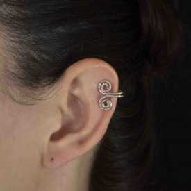 """Boucles d'oreilles fantaisie """"Trisk"""" en métal argenté"""
