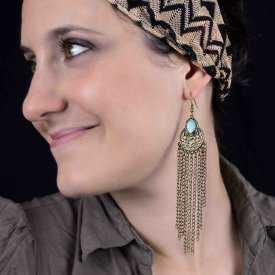 """Boucles d'oreilles fantaisie """"Selenna"""" en métal doré et émail"""