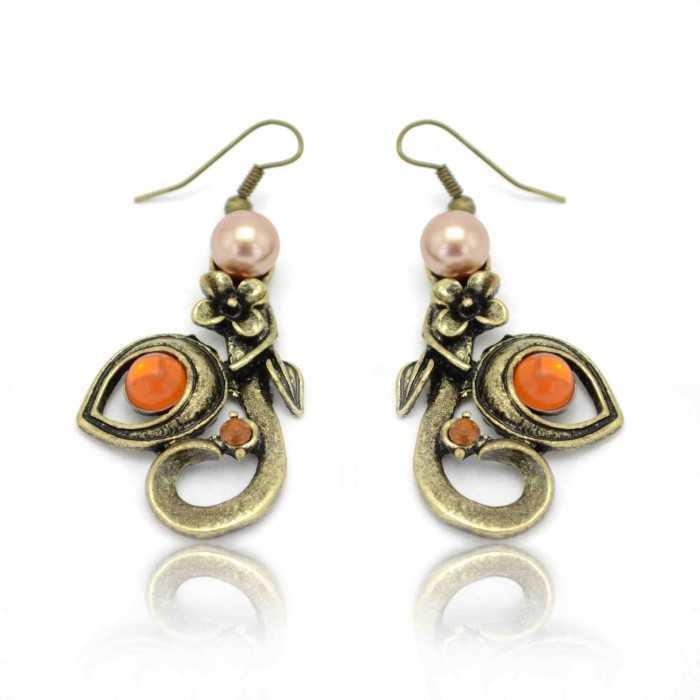 """Boucles d'oreilles """"Ivy"""" en métal doré vieilli, strass et perle de synthèse"""