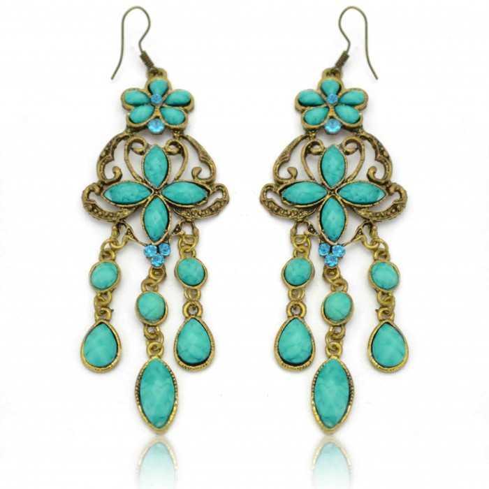 """Boucles d'oreilles orientales """"Yasmine"""" en métal doré, résine et strass"""