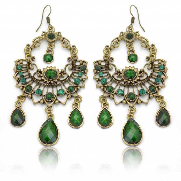 """Boucles d'oreilles orientales """"Lebha"""" en métal doré, résine et strass"""