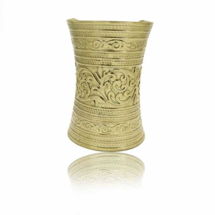 "Bracelet-manchette ""Nefertiti"" en métal doré"
