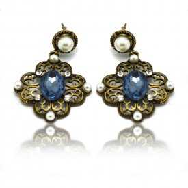 """Boucles d'oreilles fantaisie """"Fantasia"""" en métal argenté et perles de synthèse"""