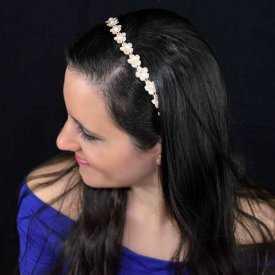 """Serre-tête """"Flower tissue"""" en crochet et perles"""