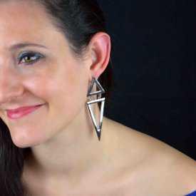 """Boucles d'oreilles fantaisie """"Big Triangles"""" en métal argenté"""