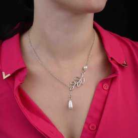 """Collier """"Nature & Perle"""" en métal argenté et perles de synthèse"""