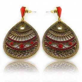 """Boucles d'oreilles orientales """"Moria"""" en métal doré et strass"""