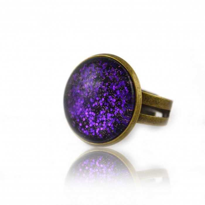 """Bague """"Glitter - Violetta"""" en métal doré vieilli et cabochon"""