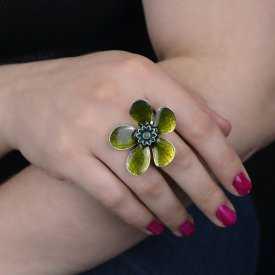 "Bague ""Ikita - Fleur émaillée"" en métal et émail"