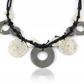 """Collier """"Ikita - Ethnies"""" en métal argenté, sur corde"""